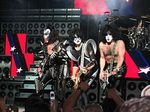 250px-KISS_in_concert_Boston_2004.jpg